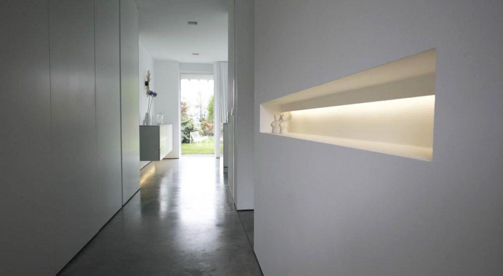 Nischenregal mit indirekter LED Beleuchtung
