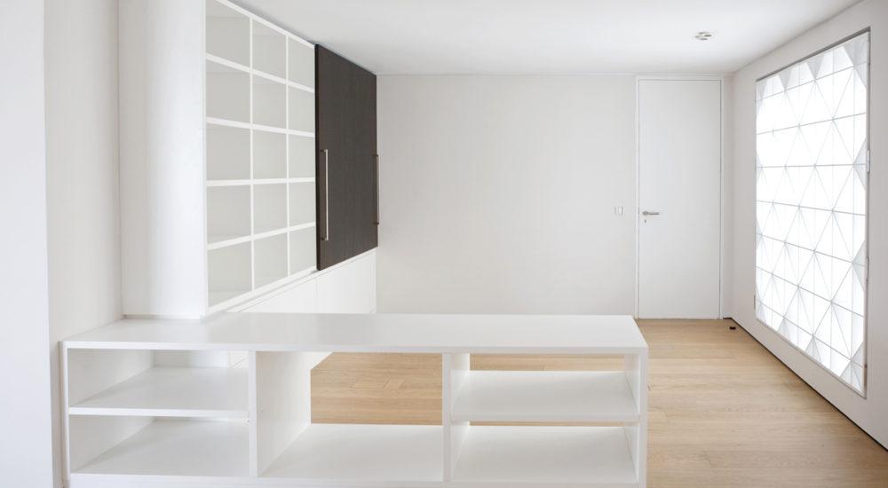 Schrank und Sideboard