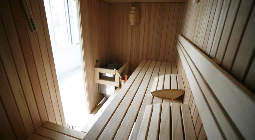 Sauna mit Glaswand