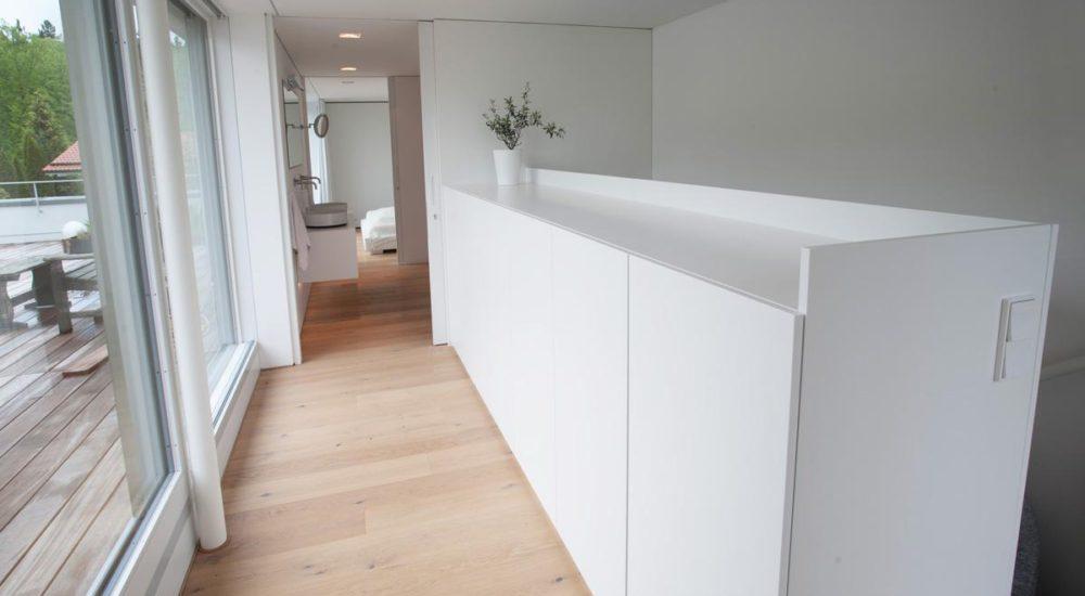 Sideboard als Treppenabsturz