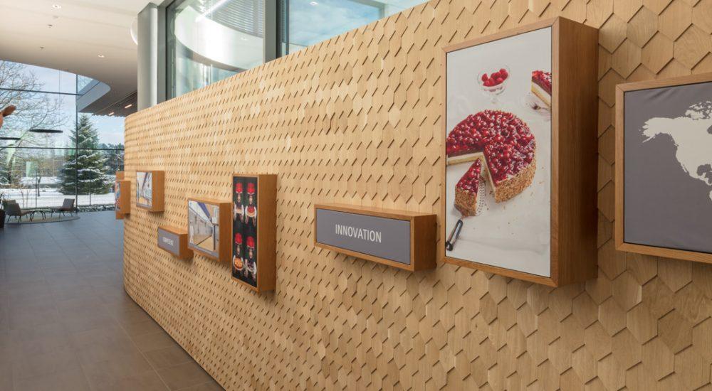 Museumswand im schlichten Schindeldesign