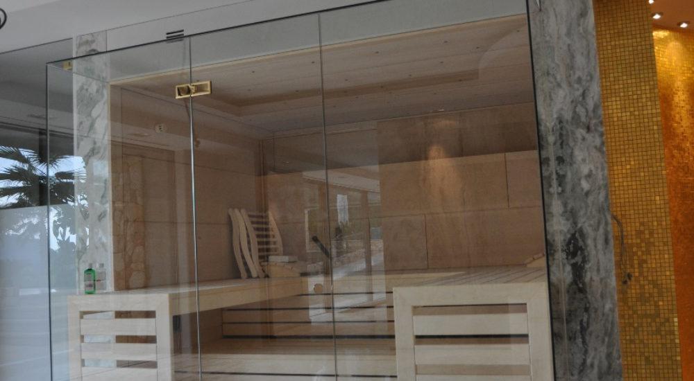 Sauna mit Glasvorbau