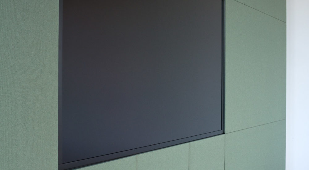 Wandschrank im Konferenzraum